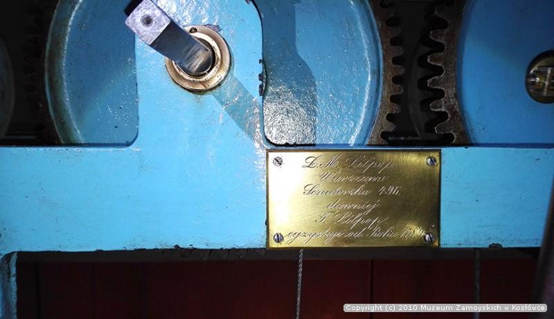 mechanizm zegara w wieży pałacowej w Kozłówce